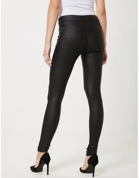 Pantalón polipiel negro Vero Moda Seven smooth para mujer - Imagen 2